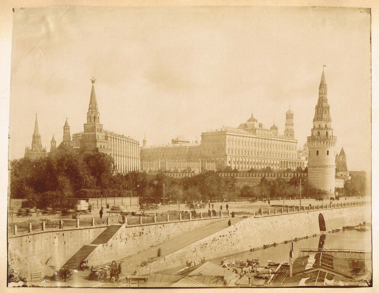 752. Кремль. Большой Императорский дворец и Большой Каменный мост. 1890