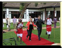 Кения. Fairmont Mount Kenya Safari Club. Церемония вручения дипломов о пересечении экватора