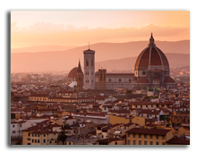 Италия. Флоренция. Florence skyline at sunset, Italy. Campanile di San Marco. Фото fcarucci - Depositphotos