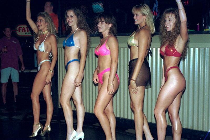 Конкурс голых девушек на лучшее тело возьмёш?