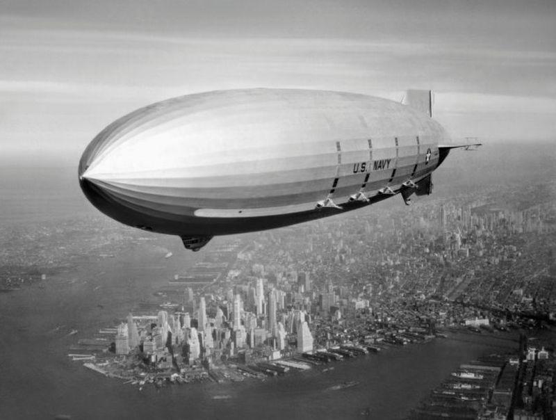 ВМС США сыграли важную роль в развитии Долины. В 1933 году военно-морской флот приобрел Моффетфильд