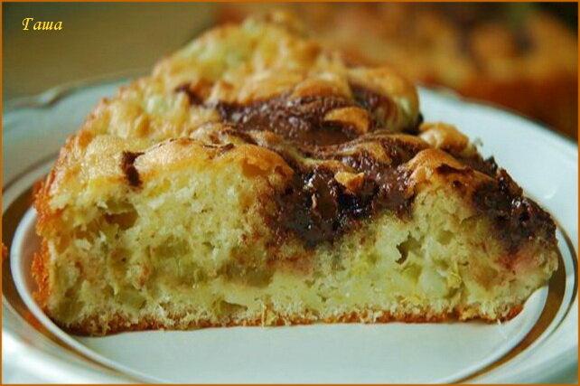 Пирог с ревенем и шоколадом