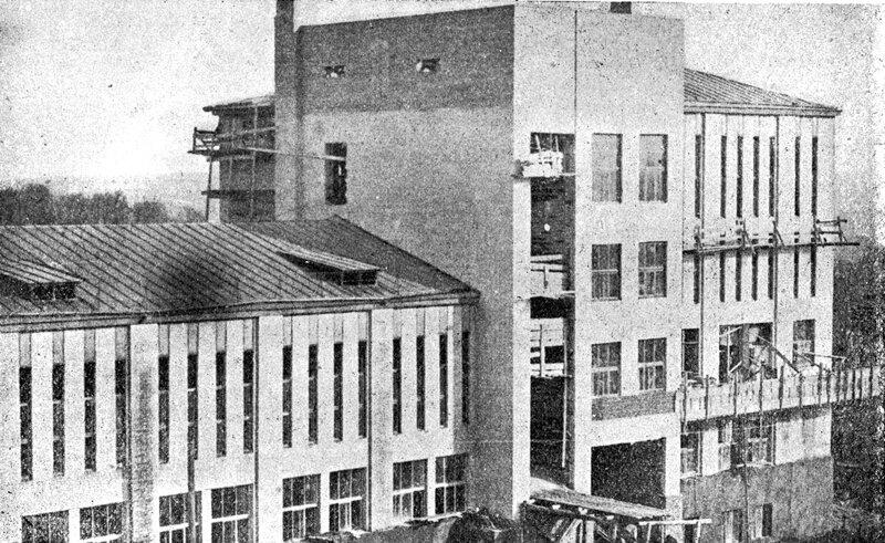 В Брянске заканчивается постройка Дома связи.