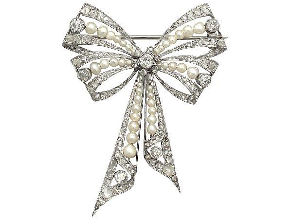 a1365-pearl-bow-brooch_1380_detail.jpg