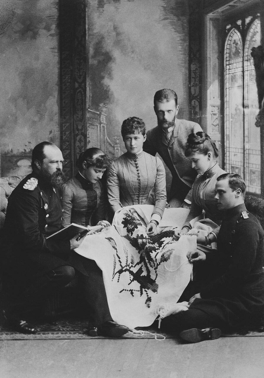 Людвиг IV, Александра Федоровна, Ирэн Гессенская, великий князь Сергей Александрович и великая княгиня Елизавета Федоровна. Гессен.1887.jpg