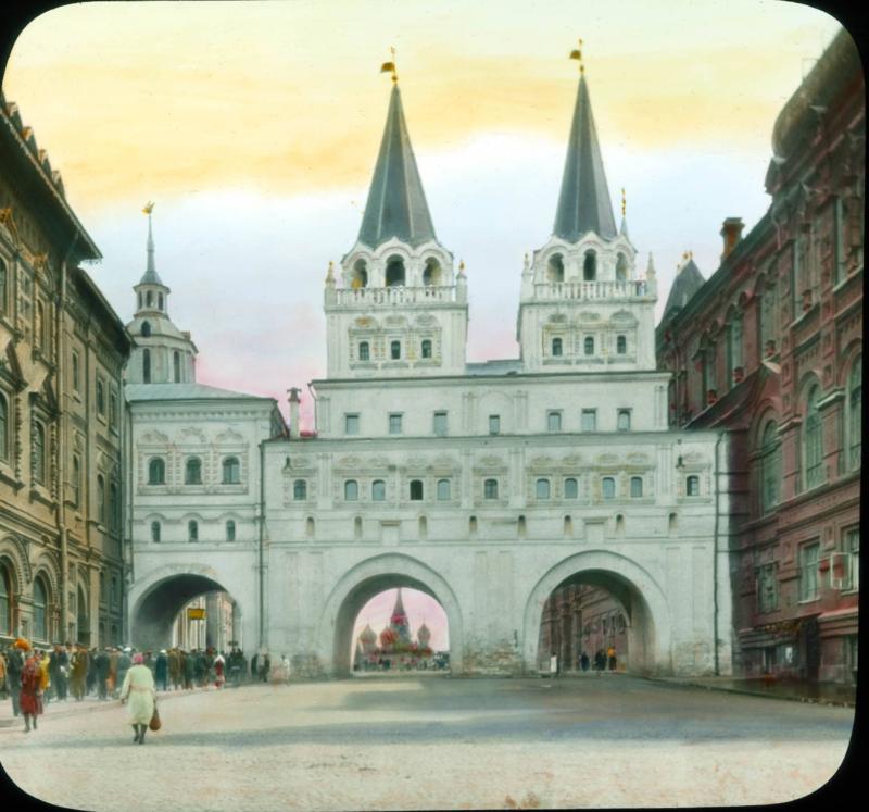Москва. Воскресенские (Иверские) ворота