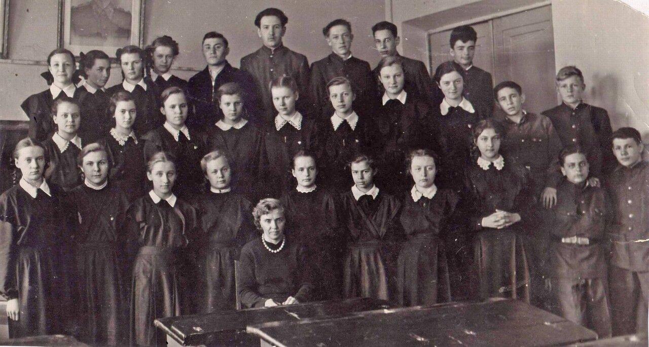 1957 год. 10 класс, школа № 34