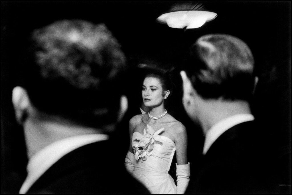 USA. New York City. January 1956. The engagement party of Grace KELLY and Prince RAINIER of Monaco at the Waldorf-Astoria hote.jpg