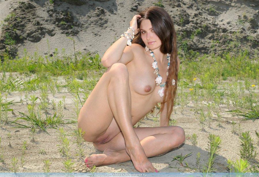 эротика девушки с длинными волосами