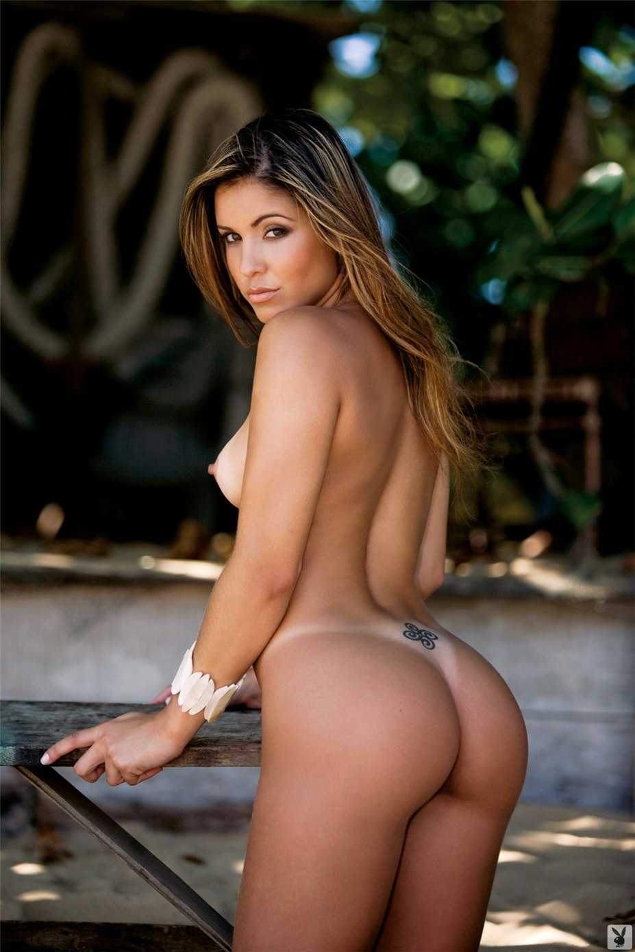 Ass of the World / Rear View - Playboy - самые красивые попы - Kelly Amorim