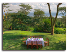 Кения. Озеро Накуру. Sarova Lion Hill Game Lodge. Outdoor-dining