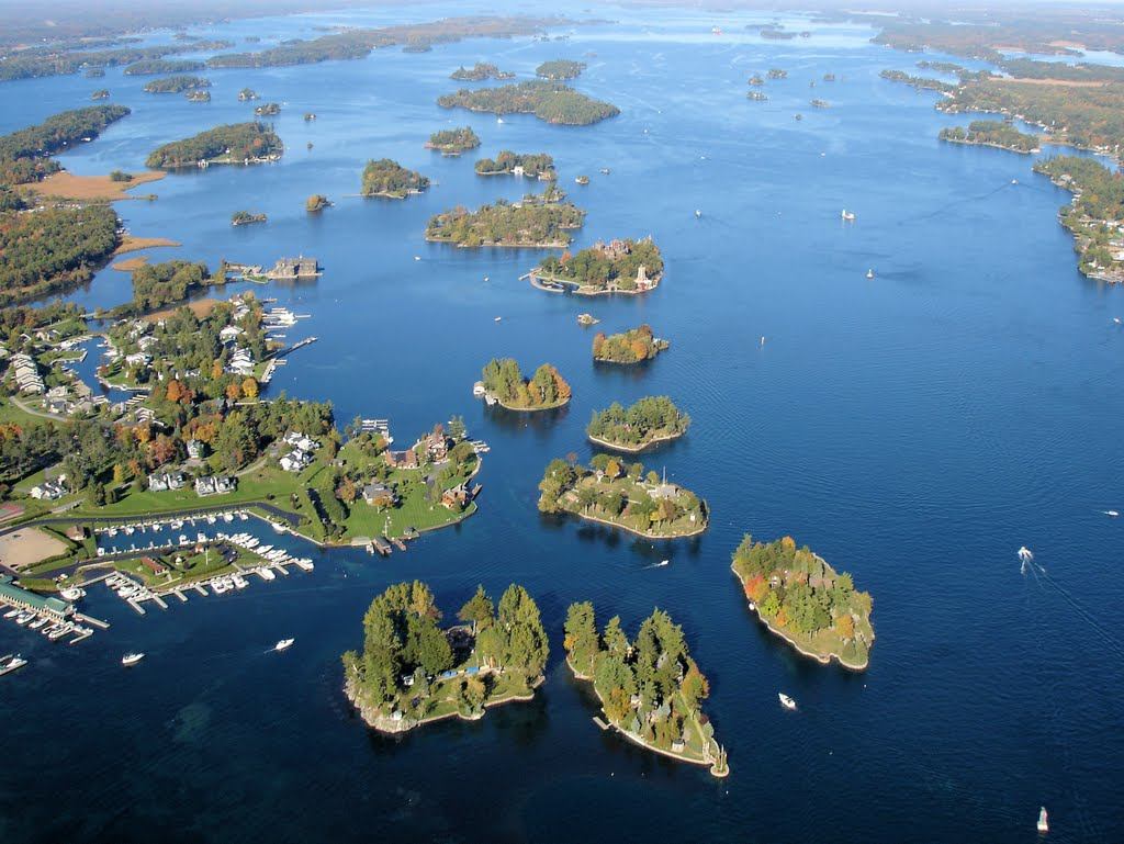 October 7, 2006:  The stretch of the St Lawrence River just east of Lake Ontario is known as the Thousand Islands region for fairly obvious reasons.  Lots and lots of islands...