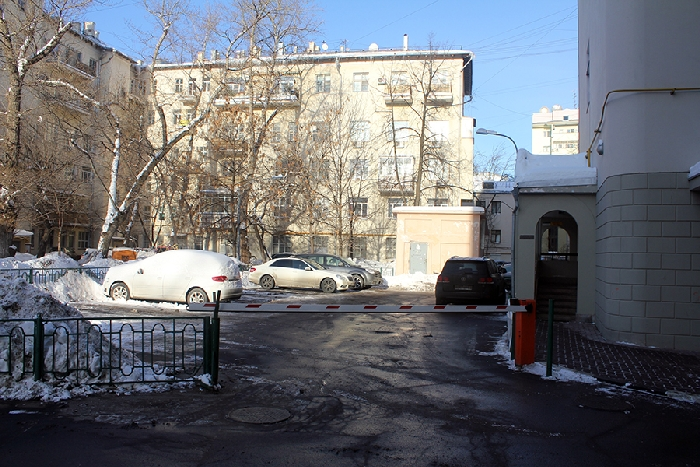 Например, тротуары.  Однако эта схема работает только в районах малоэтажной застройки и несквозных дворов.