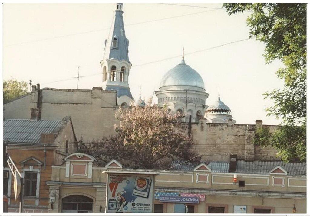 0_774a1_f4e1465f_XXL Архивные снимки: Японский турист запечатлел Одессу 1996-го года