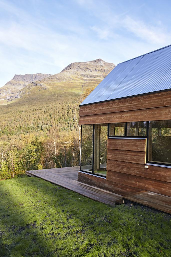 Cabin-Laksvatn-Hamran-Johansen-Arkitekter-18.jpg