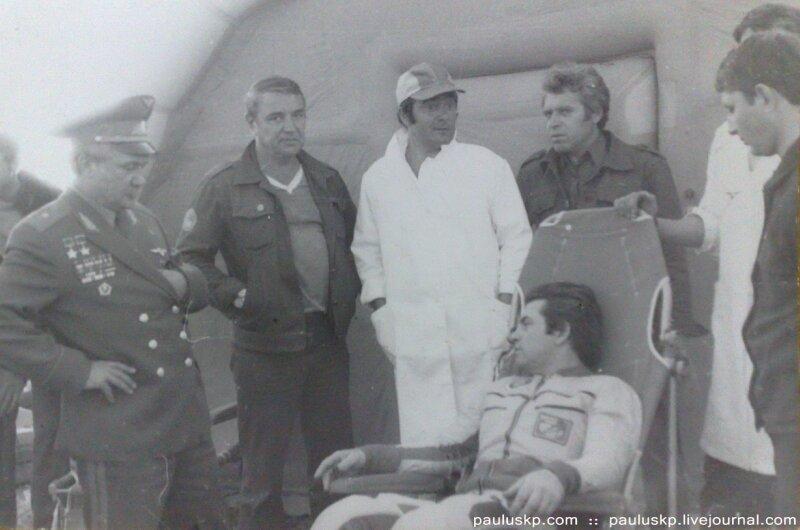 Любительские фотографии советских космонавтов после приземления 0_72145_16463ef7_XL