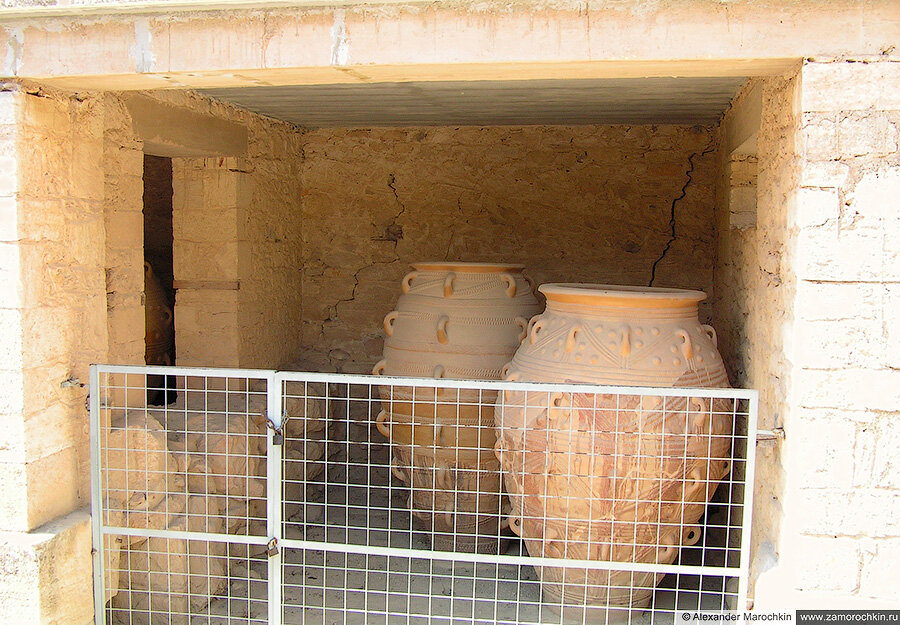 Хранилище с амфорами в Кноссе