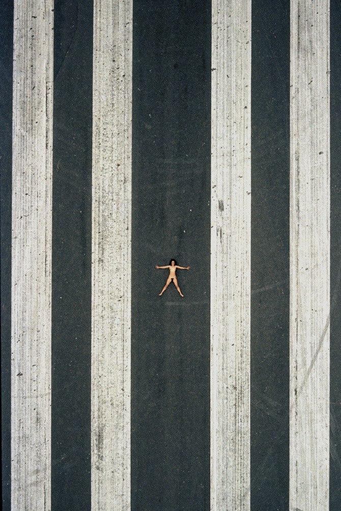 Обнаженная натура с высоты птичьего полета / Aerial Nudes by John Crawford