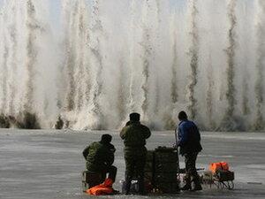 На реках Приморья в марте начнут подрывать лед