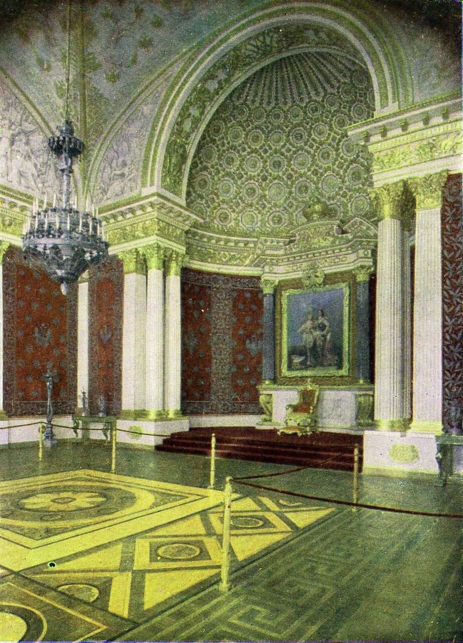 Петровский, или Малый тронный зал
