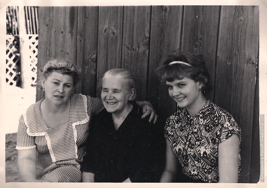 фото 1965 года Астрахань В собственном винограднике у Долгополовых