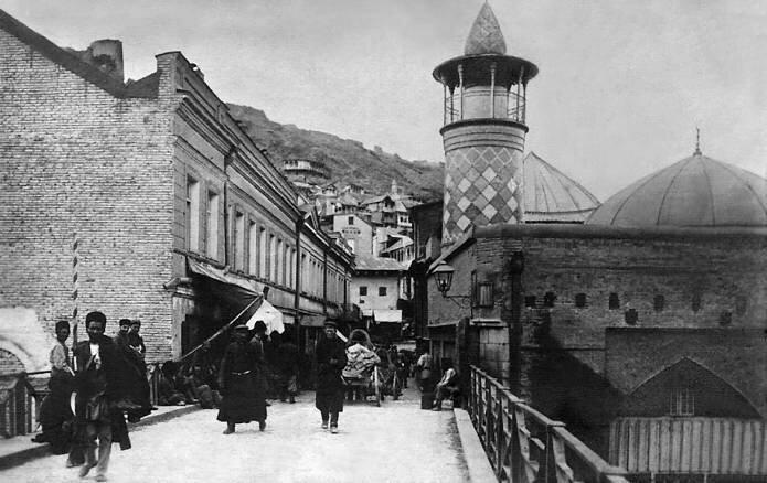 View of the Tatar mosque and bridge to the Maidan, Tiflis, 1890-1900's. Photo by Dmitry Yermakov.