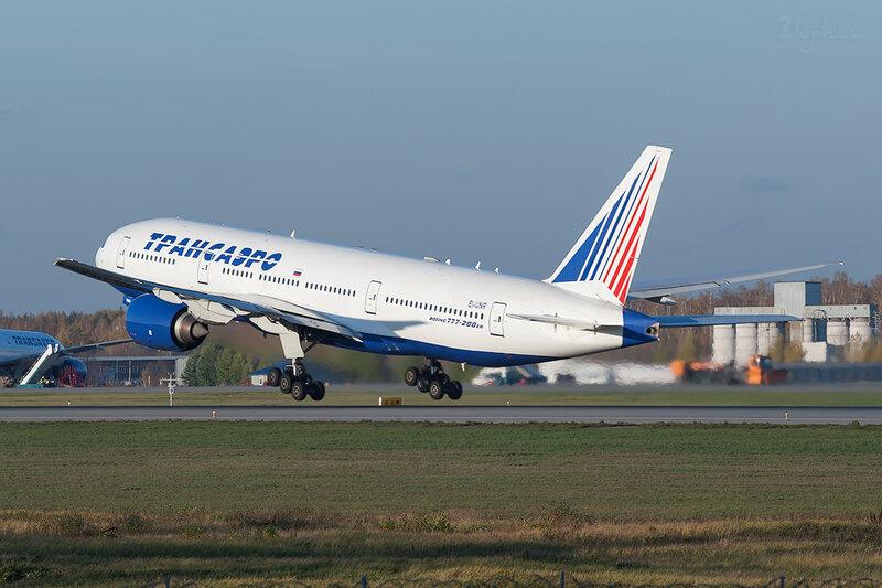 Boeing 777-212/ER (EI-UNR) Трансаэро DSC7203