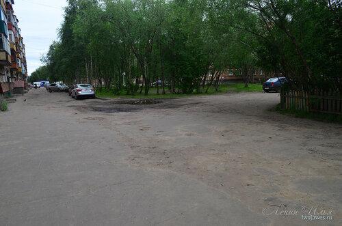 Фото города Инта №8088  Двор Воркутинской 8 и поворот к дому по Воркутинской 6 02.07.2015_17:16