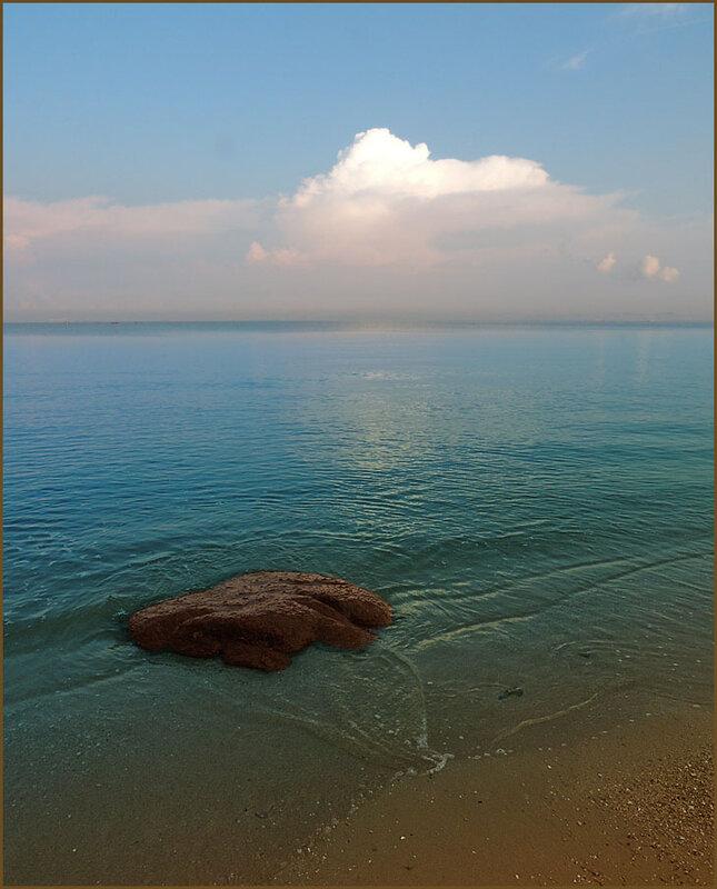 Камень и облако