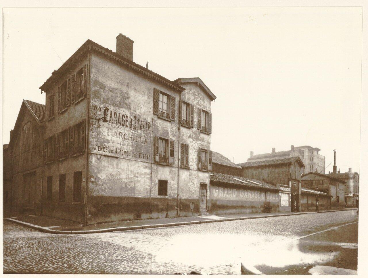 1930. Угол улиц Буало и Кюве,