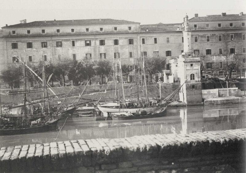 Фотография неизвестного итальянского портового города