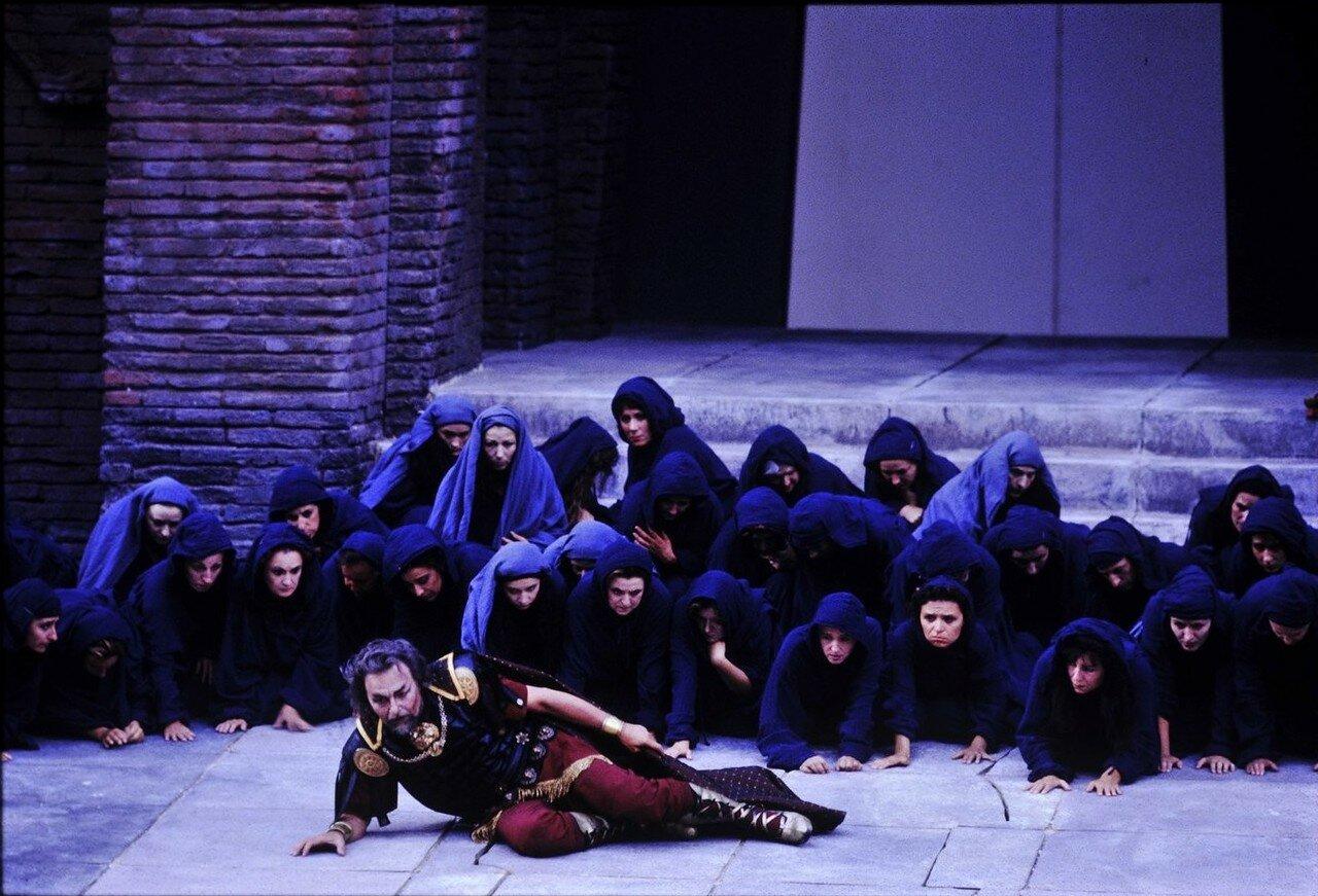 Опера «Набукко» Джузеппе Верди в римском амфитеатре. 1994