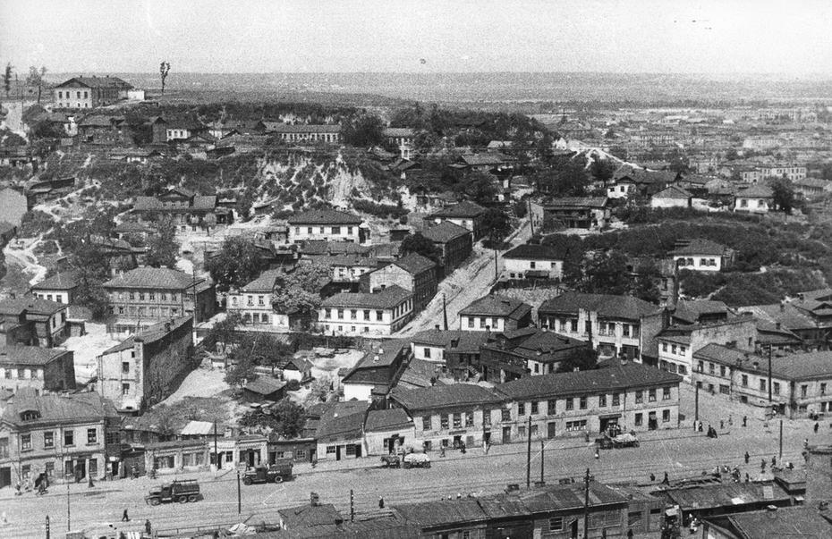 1946.05. Вид горы Щекавицы с Фроловской горы