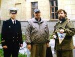 Члены ВМС художники В.Латынцев и Л.Юдников на пленэре в Северодвинске. Июль 2004 г..JPG