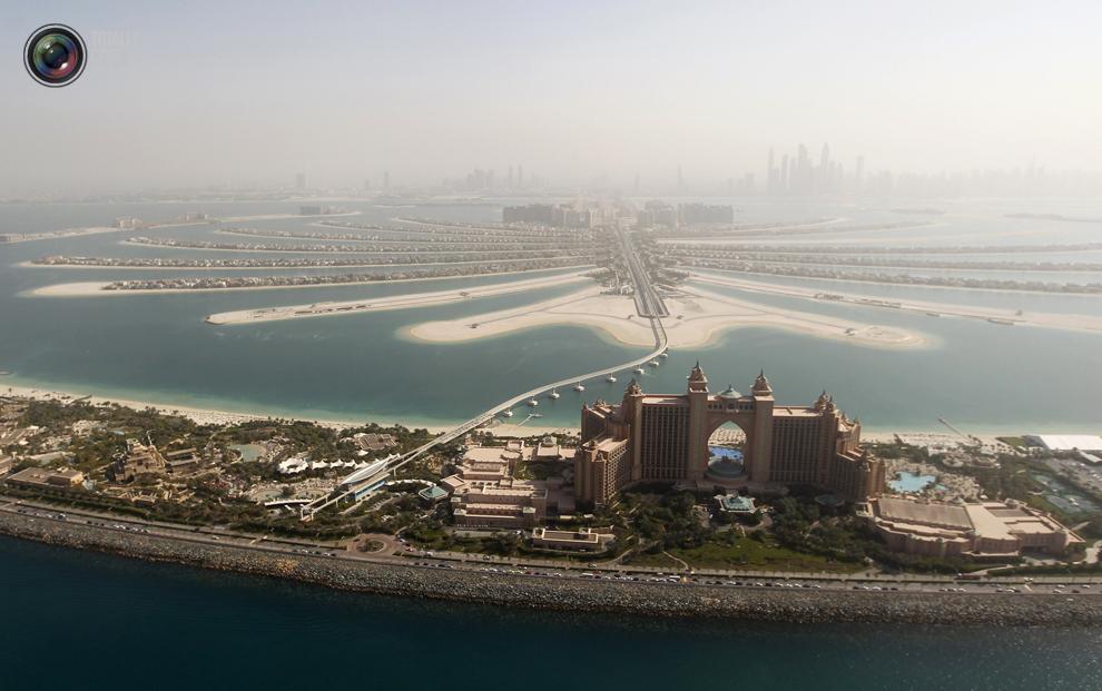 9. Вид с высоты птичьего полета на острова Пальма Джумейра и отель «Atlantis» в Дубае. (REUTERS/Juma