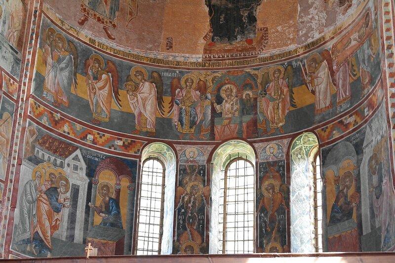 Литургия: роспись на алтарной апсиде собора в Гелати