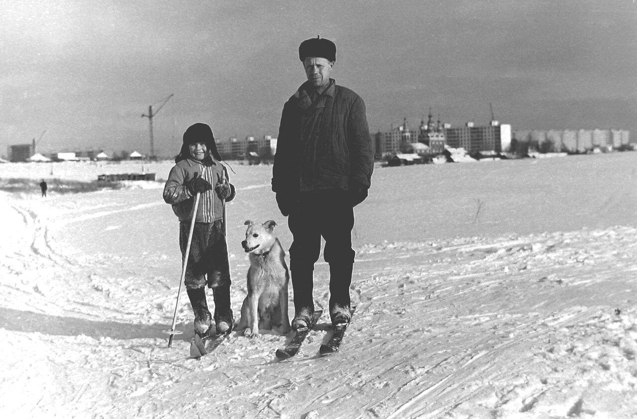 Местные, деревня Тропарёво. 1972