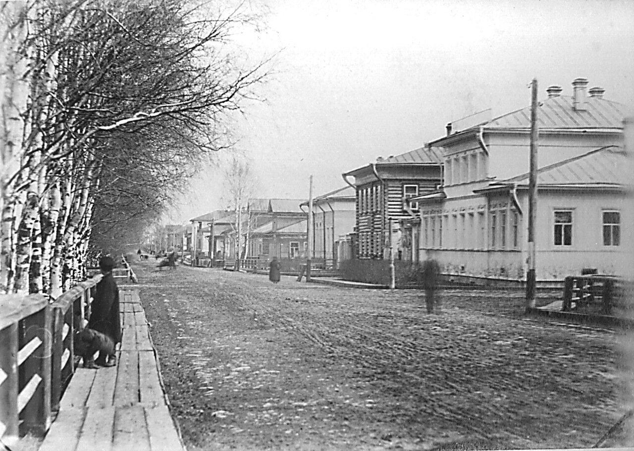 Бульвар. Большая Дворянская улица. Дом Пермяковой