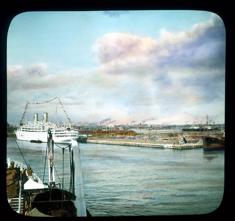 Санкт-Петербург. В порту