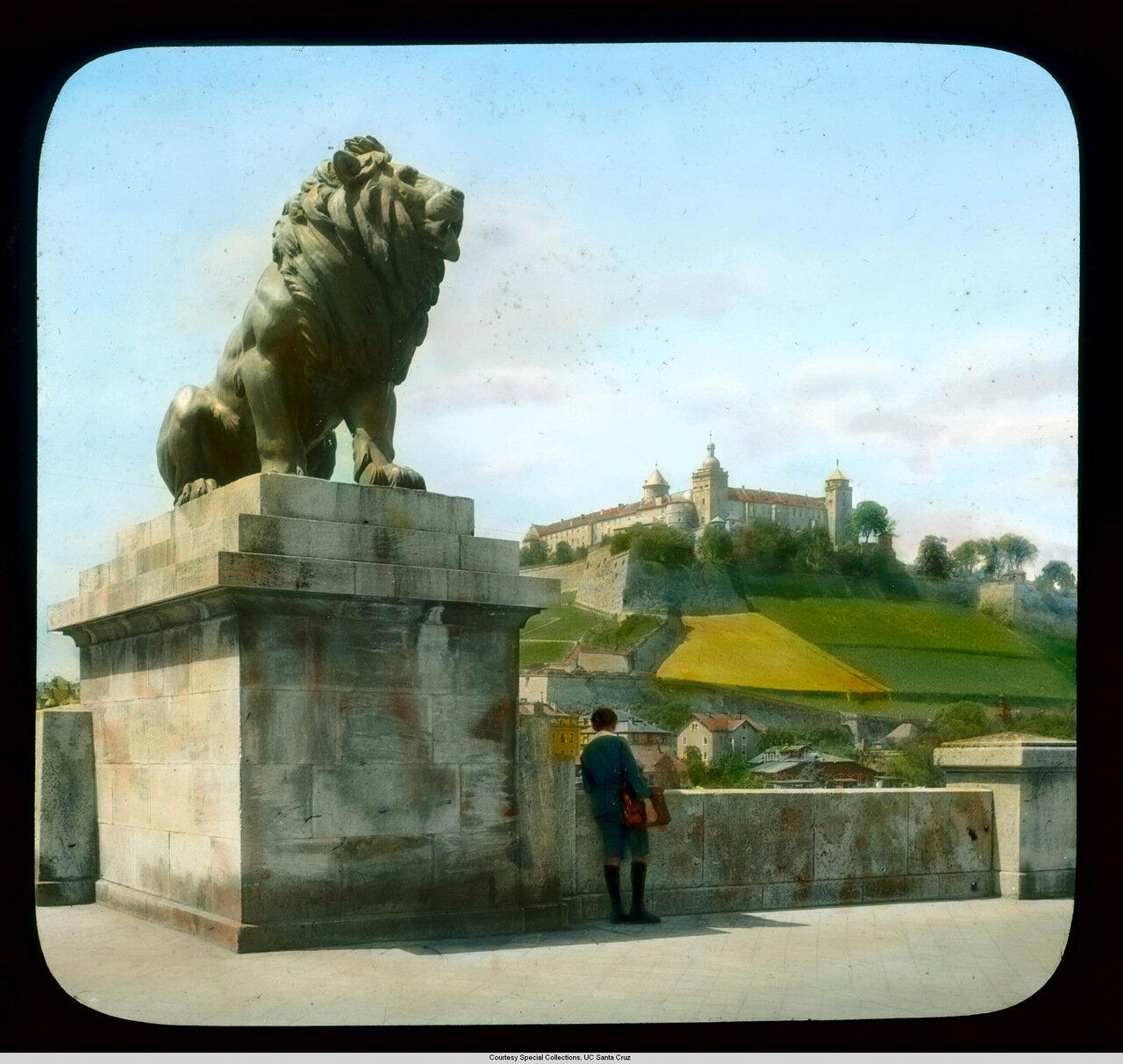 Вюрцбург. Крепость Мариенберг. Вид с Моста Людвика