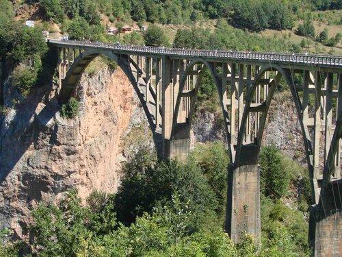Анна Печенова, Черногория, река Тара, мост