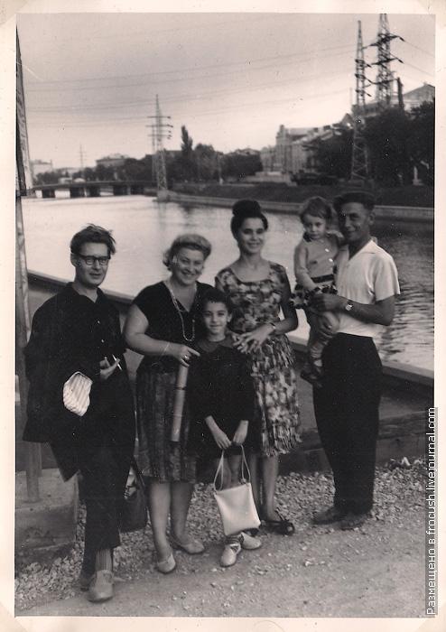 Астрахань фотография 1965 года После посещения милого семейства Журавлевых