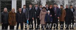 Ученики русских лицеев Бельц почтили память поэта Виеру