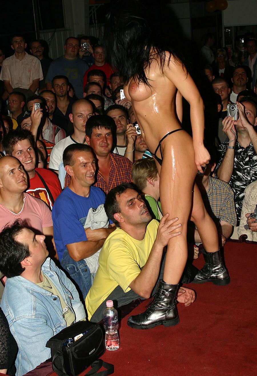 Смотреть эротические шоу онлайн 24 фотография