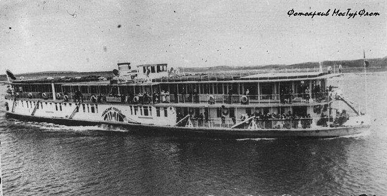 Русских ебут на пароходах фото 246-150