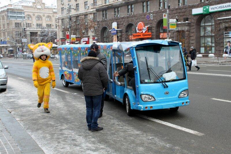 Экскурсионный мини-автобус на Крещатике