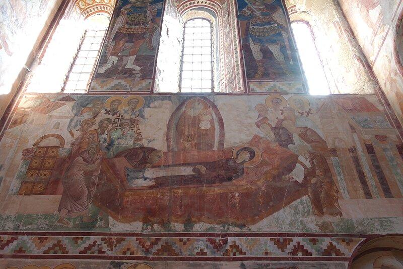 Успение Богоматери. Фреска на южной стене собора в Гелати