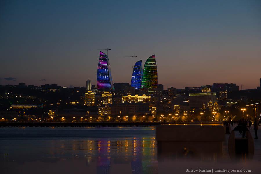 Ночной Баку