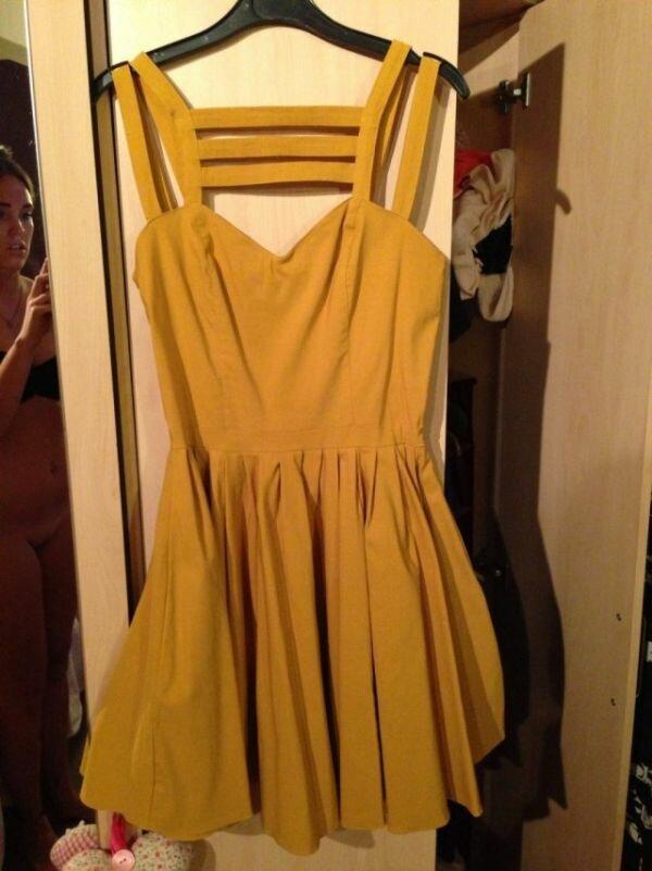 Как девушка платье продавала