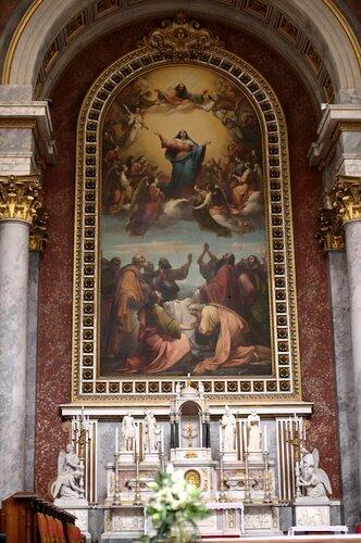Базилика св. Адальберта, интерьер